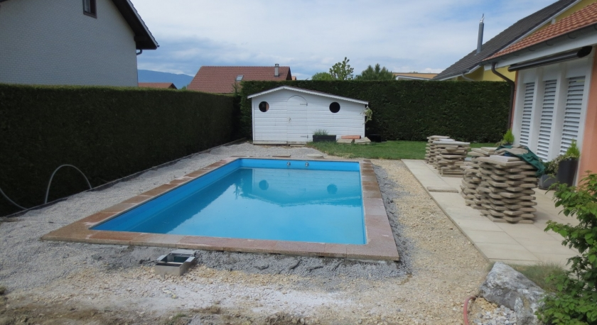 R alisation d 39 une piscine et d 39 un dallage germa paysages for Realisation piscine